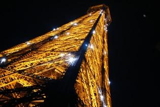 eiffel-tower-582718