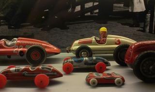 tin-toys-261304