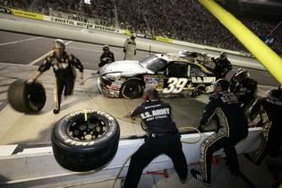 pit-crew-558087
