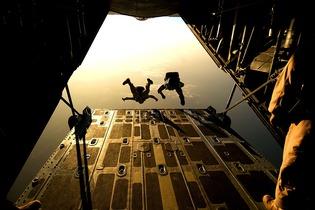 parachute-658397_1280