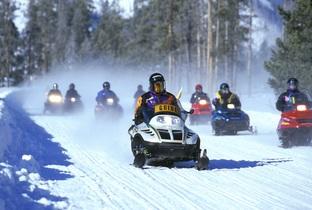 snowmobiles-535686